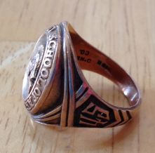 Gloria's college ring