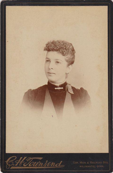 Laura Barrett front